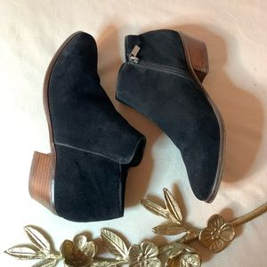Crown Vintage Tabitha Suede Ankle Booties Size 7